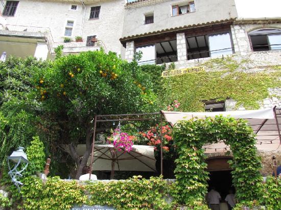 Hostellerie Les Remparts : A vertical kind of place