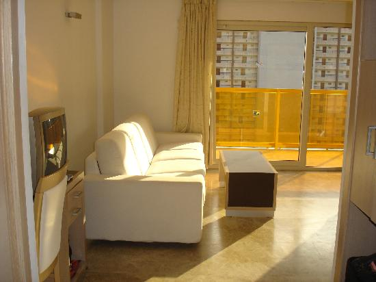 Room picture of dynastic hotel benidorm tripadvisor for T and c bedrooms reviews