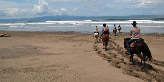 ‪‪San Juan del Sur‬, نيكاراجوا: Beach Ride | Rancho Chilamate Horseback Adventure‬