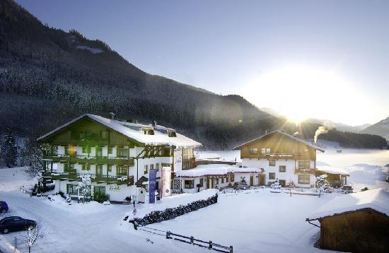 Wanderhotel Kirchner: Das Hotel Kirchner im Winter