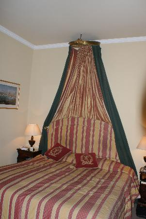 The Windsor: The bed in our room