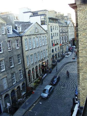 Stay Edinburgh City Apartments - Royal Mile: View down the street