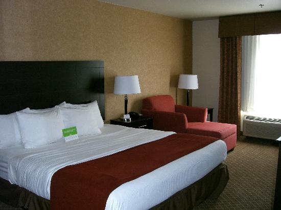 La Quinta Inn & Suites Ely: The room.
