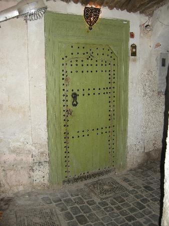 Riad Camilia: Front door