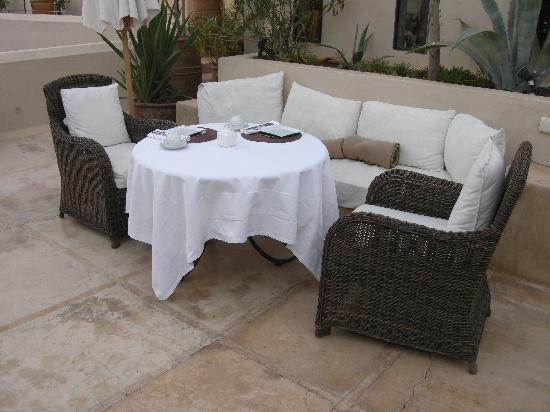 Riad Camilia: Breakfast on the roof terrace