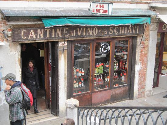 Cantine del Vino Già Schiavi : Vini Al Bottegon