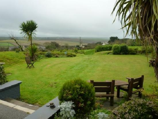 Beacon Country House Hotel: Garden view