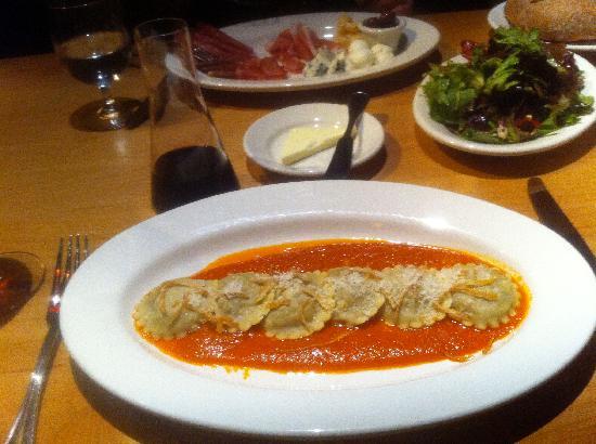 Mercato Bar & Kitchen: Ravioli