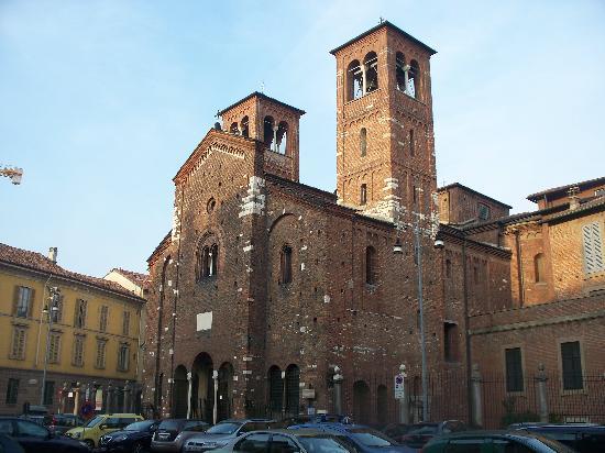 Chiesa di San Sepolcro: facciata