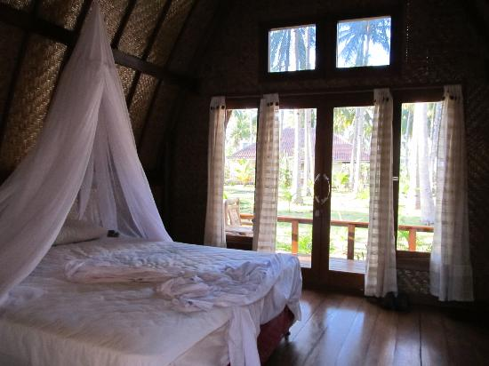 Island View Bungalows : bedroom