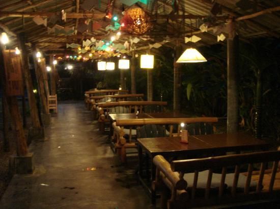 Laanlay Seafood : Laanlay bamboo seat