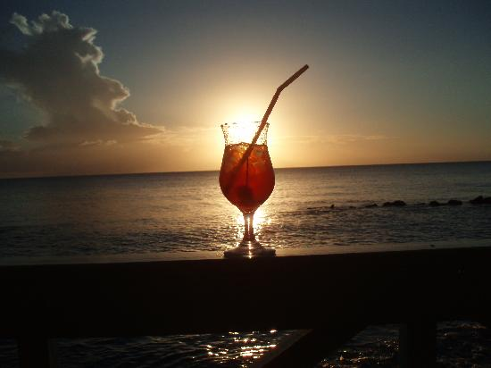 Little Good Harbour: Rum Punch at sunset at the Fish Pot