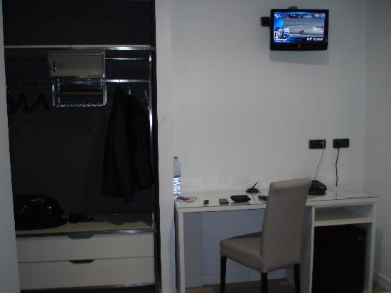 Hotel LB Villa De Cuenca: tele