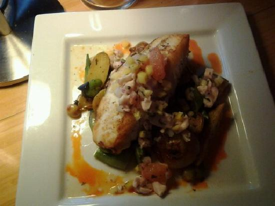 Dawn Ranch Resort: Alaskan halibut was excellent