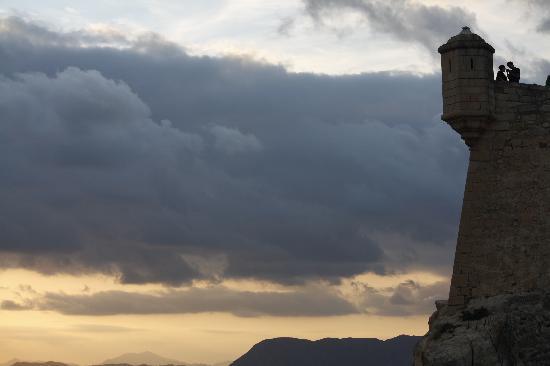 Castillo de Santa Bárbara: Atardecer en la garita