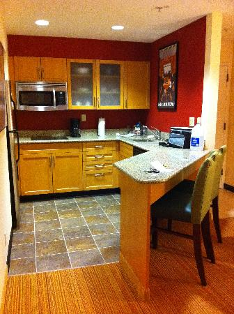 Residence Inn Pleasant Hill Concord: Kitchen