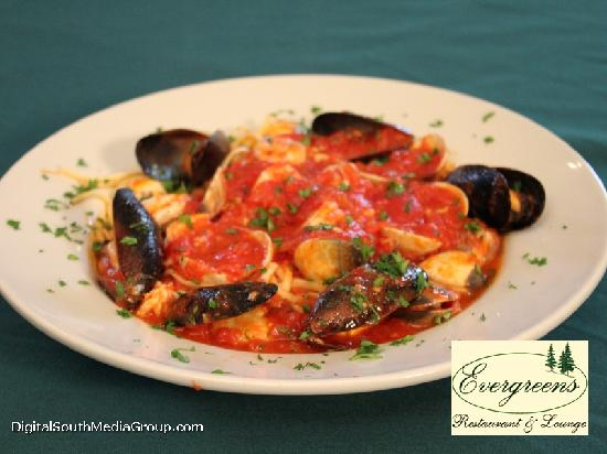 Evergreens Restaurant and Lounge : Clams
