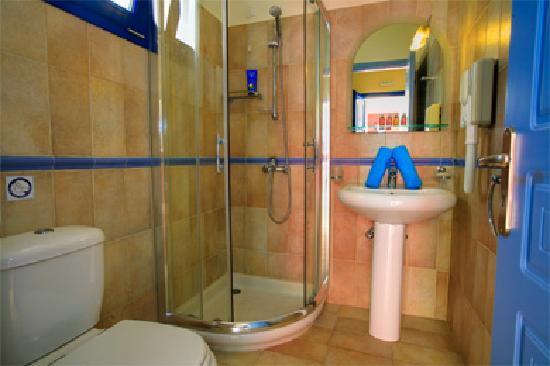 Avithos Resort: One of our Bathrooms