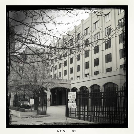 Hotel St. Regis : exterior