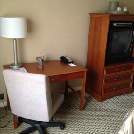 Hotel St. Regis: desk