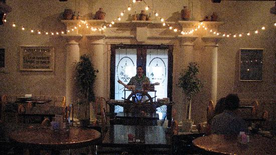 Billy's Wild West BBQ and Wood Fired Pizza: The huge dining room suggests an 1880's Southwestern Town Square with its mixture of Classic Vic