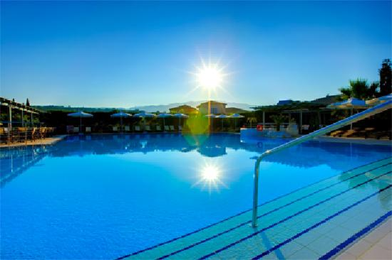 Avithos Resort: A welcoming sun by the Pool
