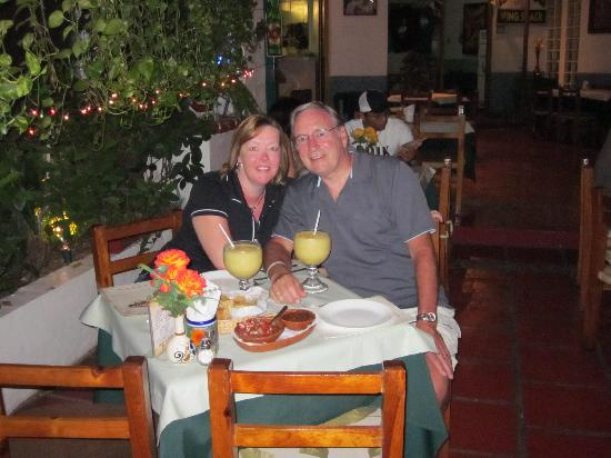 Sticky Fingers Grill House : Relaxing with Mango Margaritas!