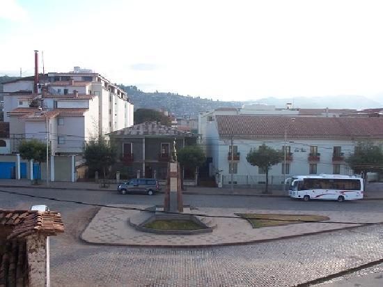 Cusco Pardo Hotel: Vista desde el balcon de la hab 304