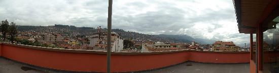 Cusco Pardo Hotel : Vista desde el ultimo piso en el salon comedor