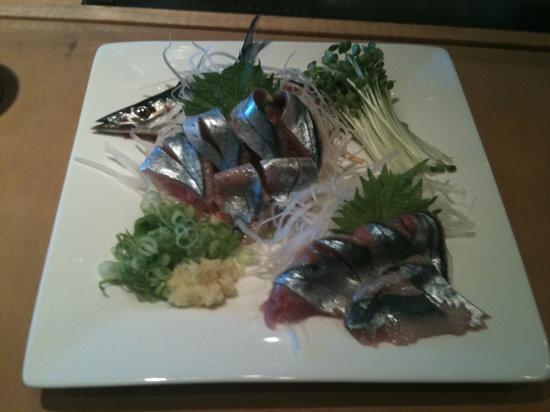 Fuji Sushi Restaurant: Sanma sashimi!!