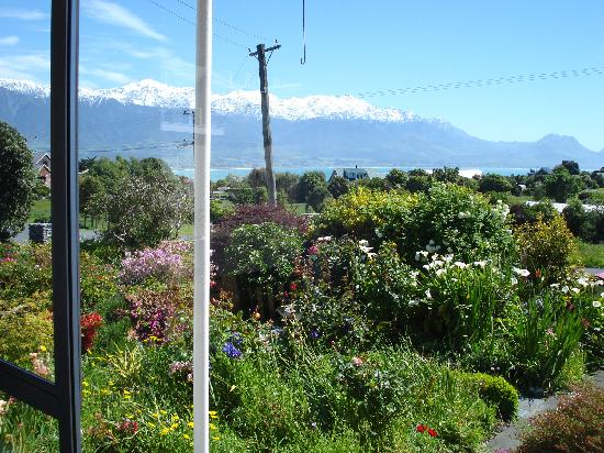 Bay-view Homestay Kaikoura: View at Breakfast