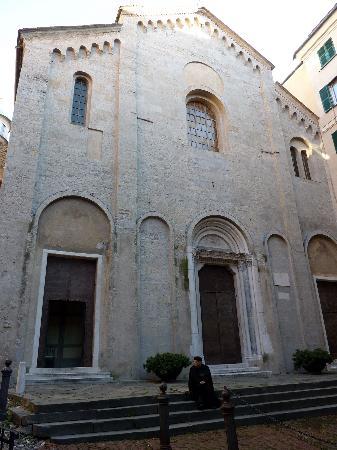 Basilica di Santa Maria di Castello: La facciata