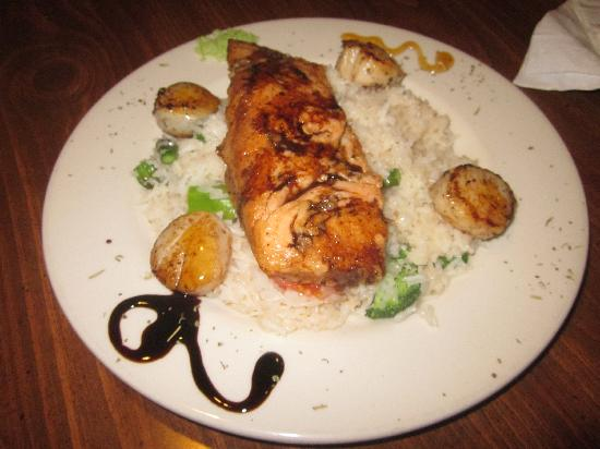 Pasta y Pueblo: Salmon and Scallops over Coconut Rice