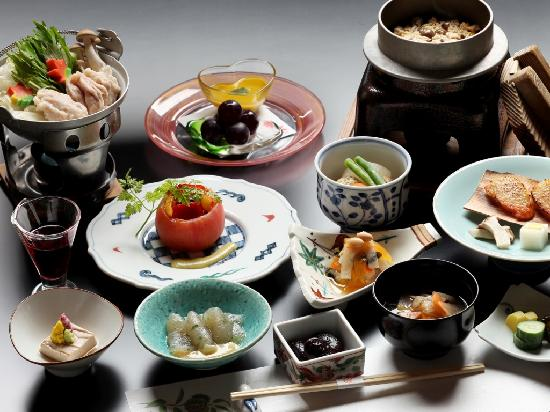 Shima Onsen Kashiwaya Ryokan: Dinner (example)