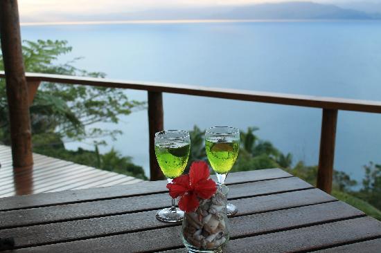 Naveria Heights Lodge : celebration drinks