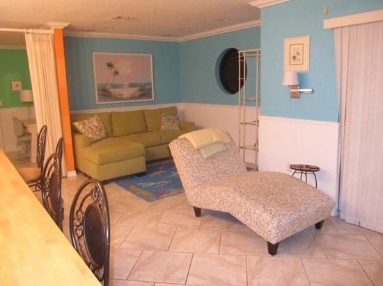 Siesta Sunset Royale: penthouse living room