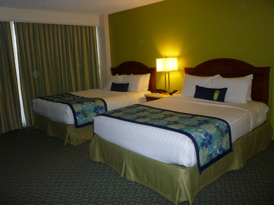 Courtyard Key Largo: Two double beds