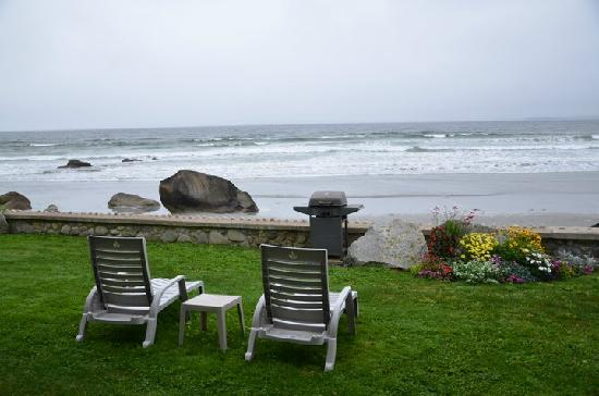 The Quarterdeck Beachside Villas and Grill: Relaxation!