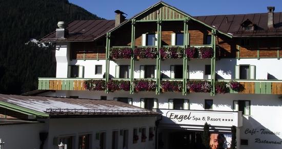 Hotel SPA & Gourmet Resort Engel: Hotel Engel Hausansicht