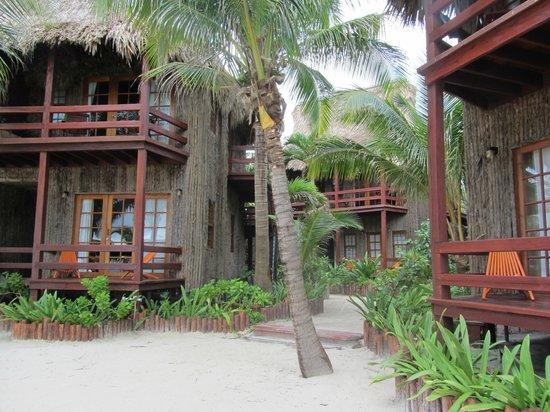 Ramon's Village Resort: 2 story villas