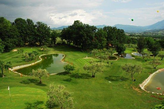 San Donato Val di Comino, Italie : campo da gofl
