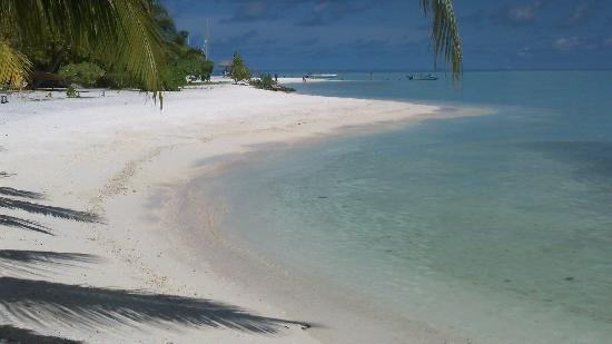 Rihiveli by Castaway Hotels & Escapes: plage
