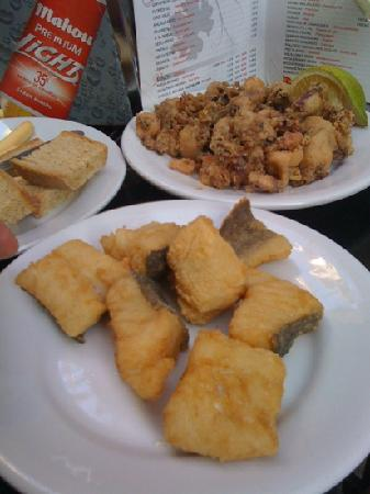 Bodegas Quitapenas: bacalao and chopitos