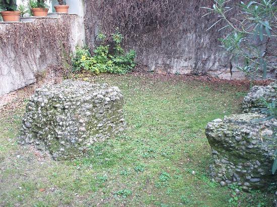 Ruderi del Circo Romano : pochi resti