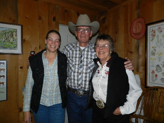 Geronimo Trail Guest Ranch: The Esterly family.