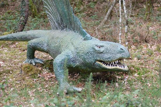 Parc de Prehistoire de Bretagne: Dinosaur at the Prehistoric Park