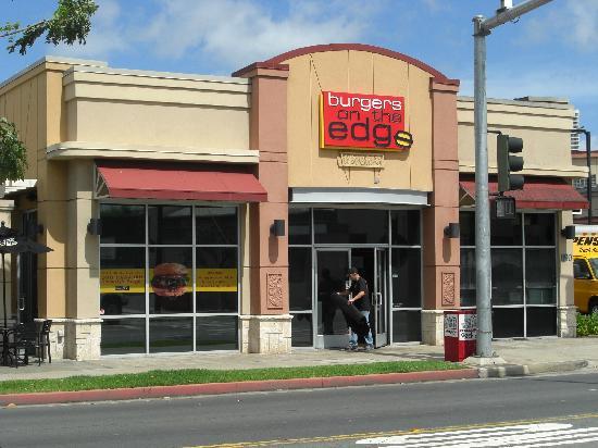 Burgers on the Edge: 店舗正面(開店準備中)
