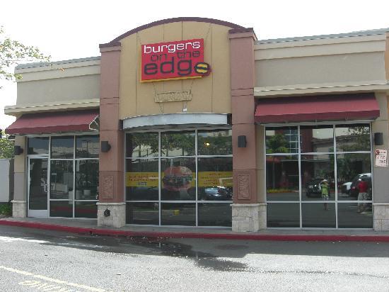 Burgers on the Edge: 店舗裏側(セーフ・ウェイ側)