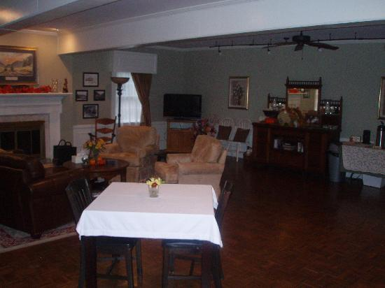 Chilhowee Inn: The Gathering Area