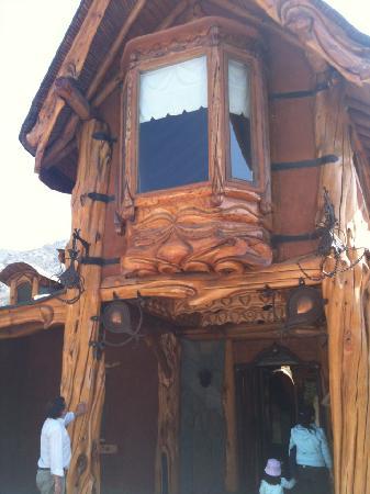 Casa Bosque: Fachada Principal